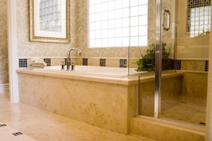 Wir Beraten Sie Ein Badzimmer Zu Gestalten, Das Pflegeleicht, Zeitlos Und  Elegant Ihren Wünschen Entspricht.